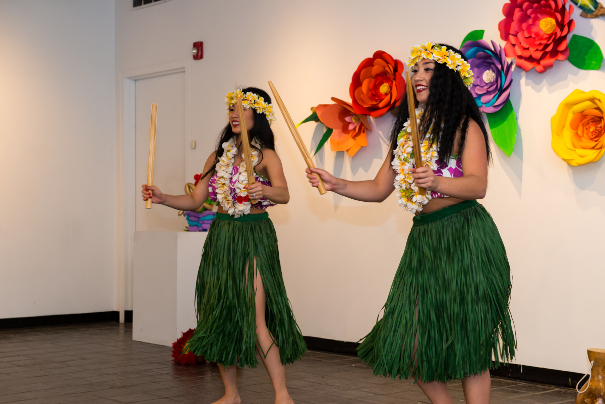 21001c92258a The most popular concept of lei in Hawaiian culture is a wreath of flowers  presented upon arriving or leaving as a symbol of affection.
